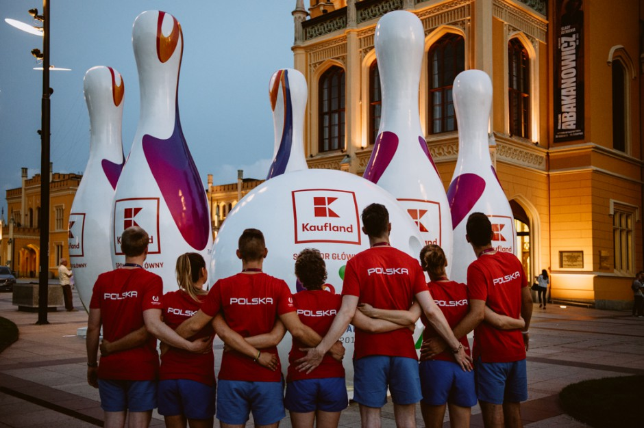 Kaufland promuje markę przy wrocławskim Dworcu Głównym