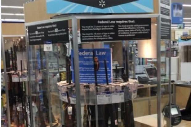 Walmart: Promocja broni na rozpoczęcie roku szkolnego