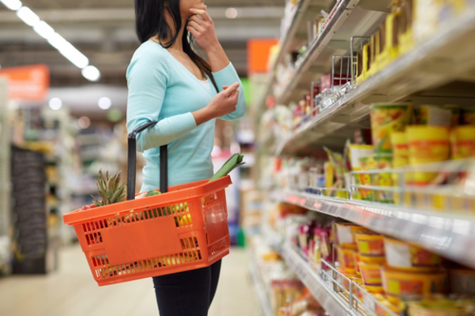 Sprzedaż w małych sklepach: Spadła sprzedaż piwa i lodów, a wzrosła sprzedaż masła