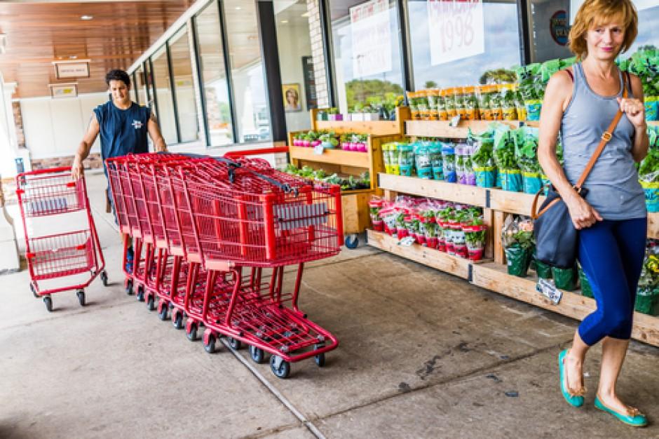 W 2016 r. liczba sklepów spożywczych spadła o 2,6 proc. Co piąty detalista działa na rynku nie dłużej niż 5 lat