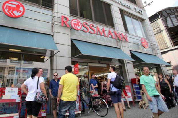 Rossmann wprowadza opłaty za foliówki