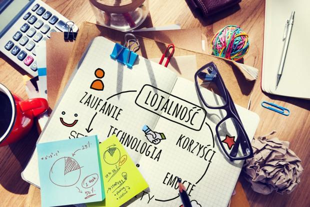 Poradnik: Jak budować więź z konsumentem