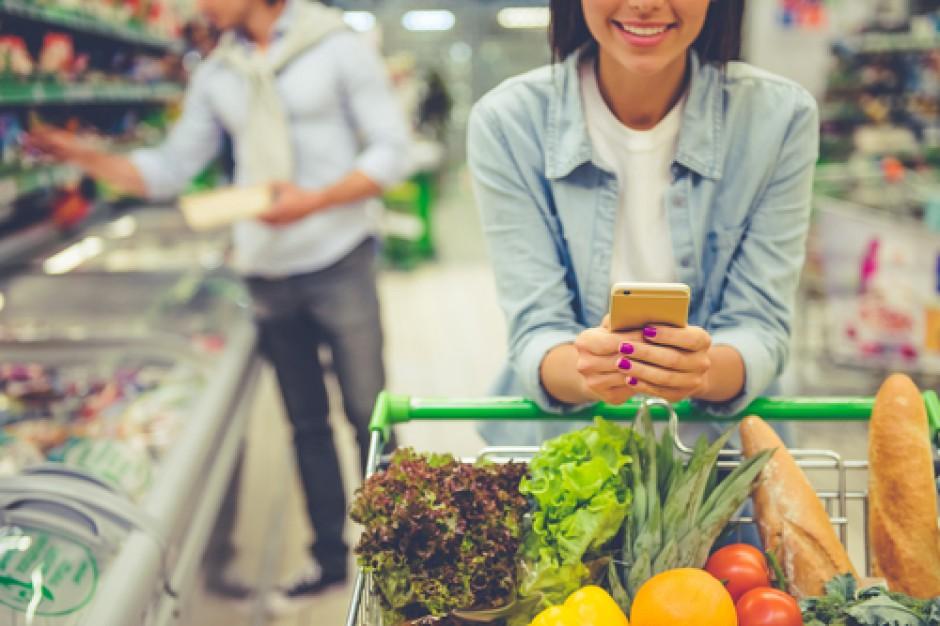 """Nielsen: Piramida potrzeb zakupowych klienta to """"easy, smart, personal"""""""