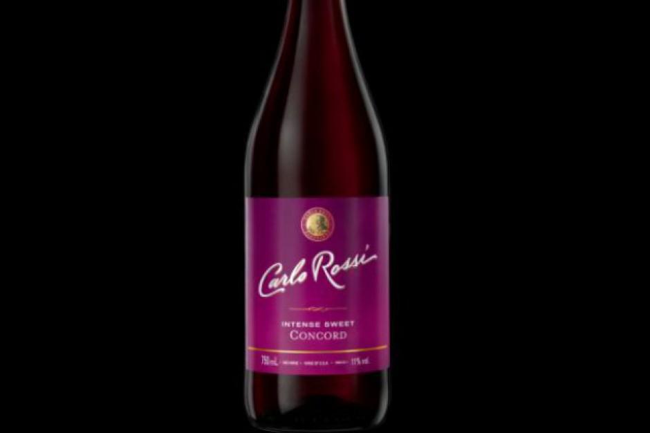 Czerwone, słodkie wino gronowe Carlo Rossi Intense Sweet Concord