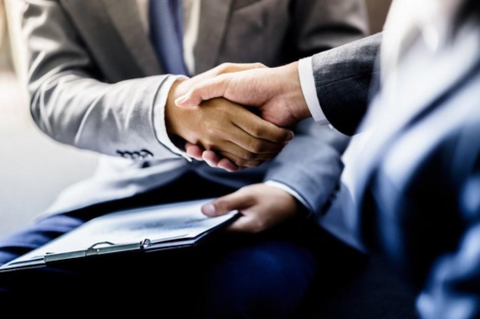 Karuzela kadrowa: Zmiany w zarządach Tesco i dyskontów