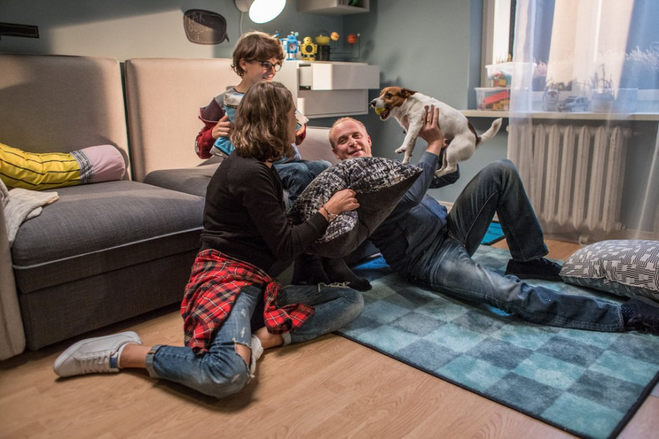 """IKEA promuje ofertę miniserialem """"Dom pełen zmian"""""""
