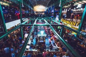 W czasie pierwszego roku od otwarcia, Halę Koszyki odwiedziło 3 mln gości