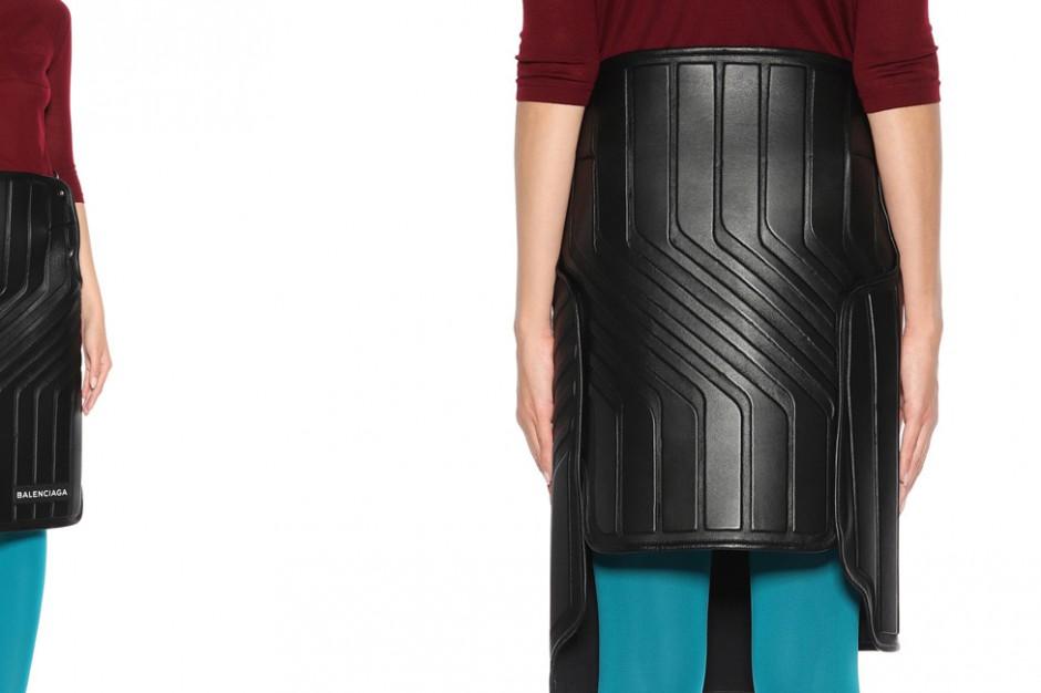 Spódnica za 9 tys. zł jak... dywanik samochodowy