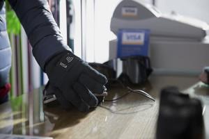 Visa wprowadza płatnicze urządzenia ubieralne dla kibiców zimowych IO