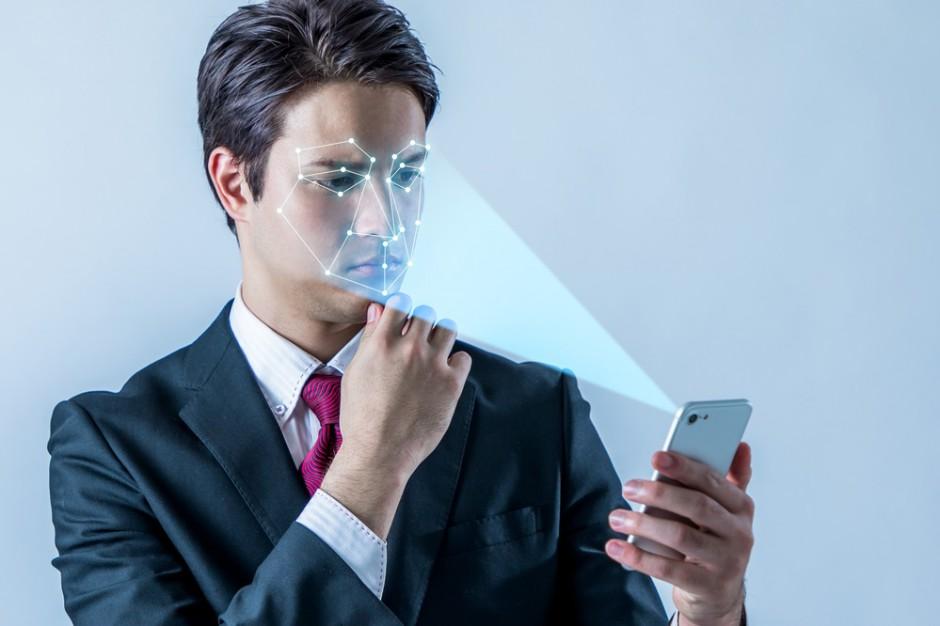"""Deloitte: rozpoznawanie twarzy to technologia """"hit"""" wśród detalistów"""