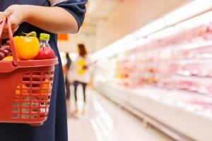 Koszyk cen: Maleje przewaga cenowa hipermarketów nad dyskontami