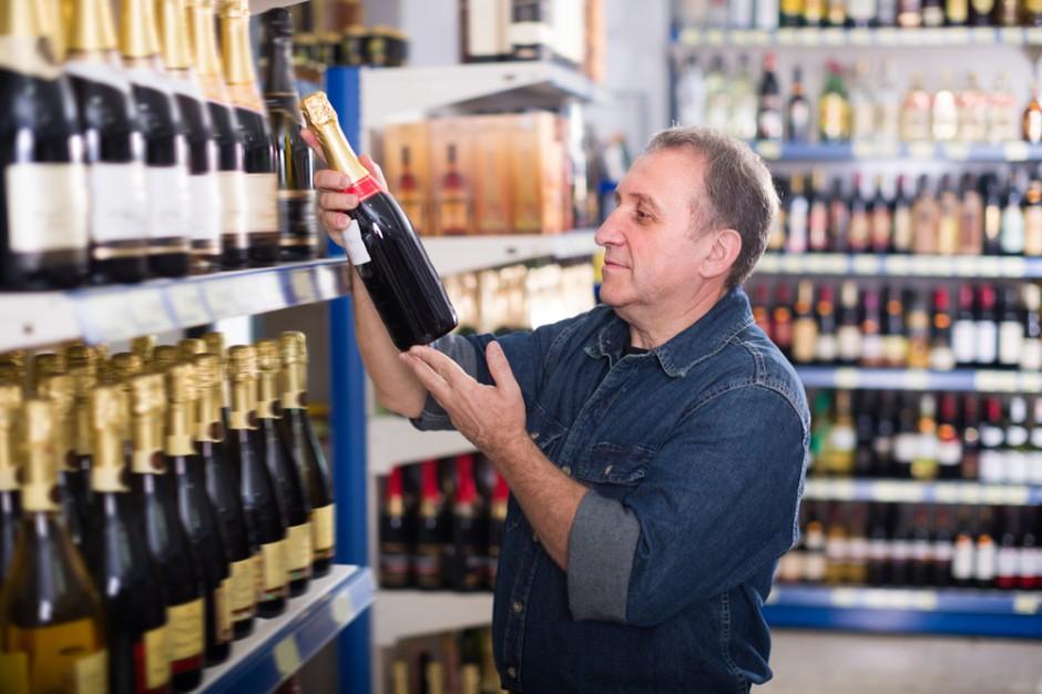 Stacje benzynowe mogą zostać objęte ograniczeniami w handlu alkoholem