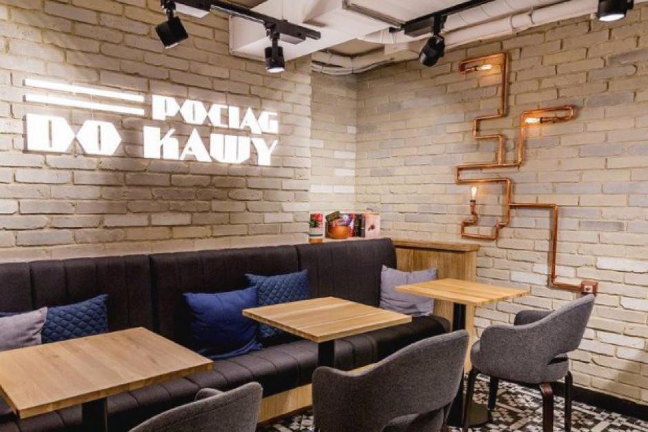 Costa Coffee z kawiarniami na warszawskich dworcach