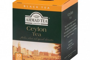 Herbaty Ahmad Tea London w opakowaniach zawierających 10 torebek