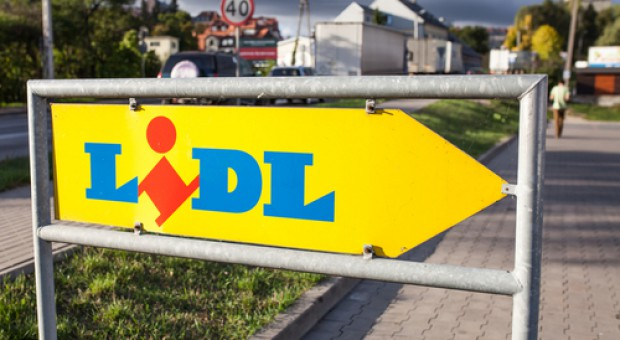 Lidl i Biedronka walczą o portfele telewidzów. Sieci wydały ponad 20 mln zł na reklamę