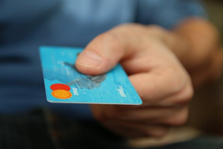 Raport: Szybkie przelewy motywują do e-zakupów