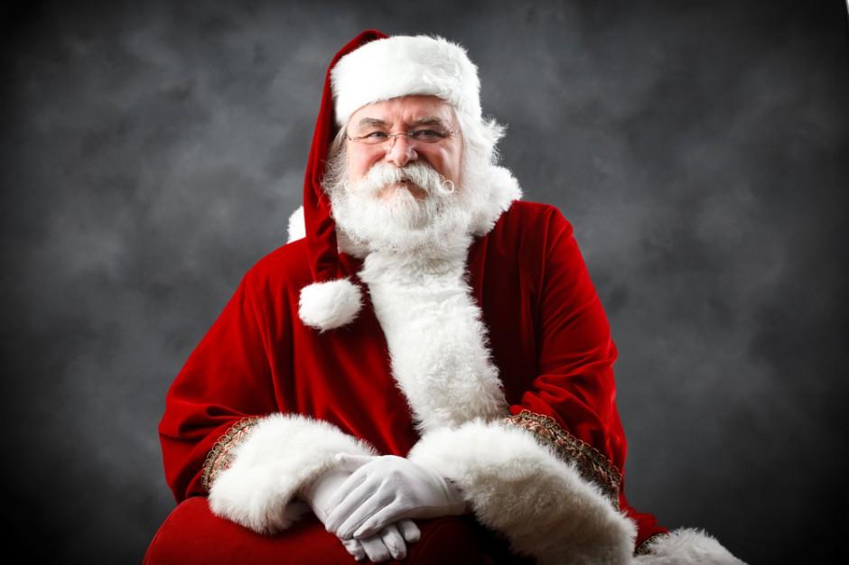 Ekspert: Współczesny Święty Mikołaj jak Myszka Miki i Darth Vader