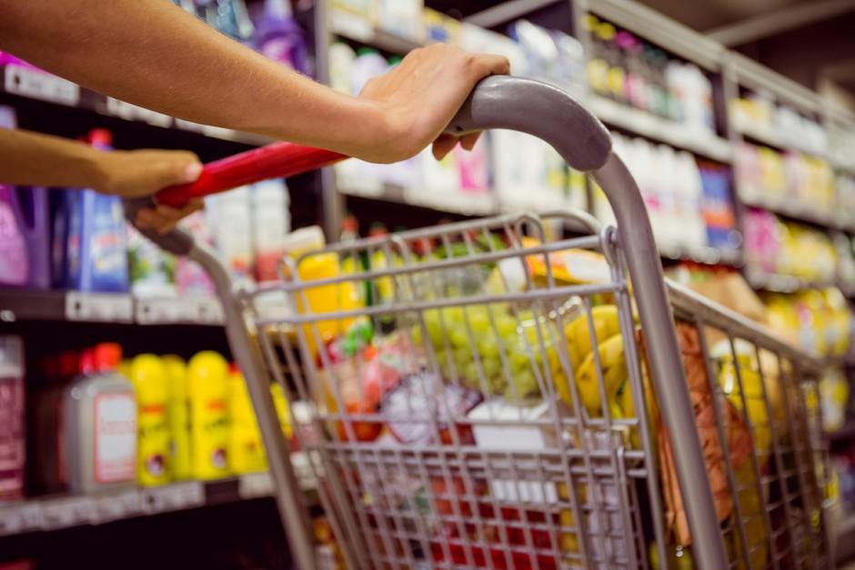 Ekspert KPMG: Sieci handlowe próbują wygrać walkę o codzienne zakupy klientów