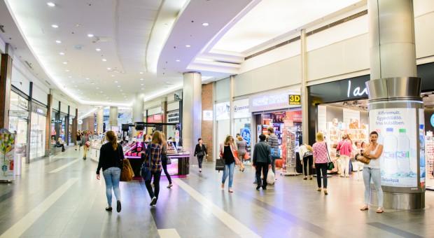 Poradnik: Jak zapobiegać zagrożeniom w centrach handlowych?