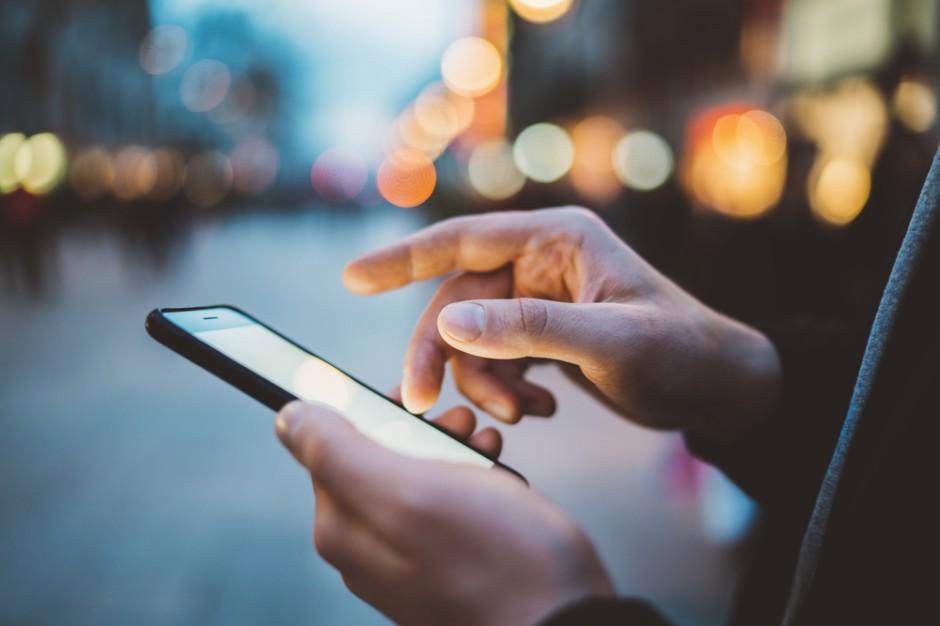 Deloitte: Niebawem każda czynność wykonywana na smartfonie wsparta będzie przez uczenie maszynowe