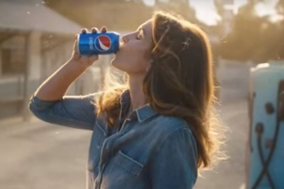 Cindy Crawford ponownie w reklamie Pepsi