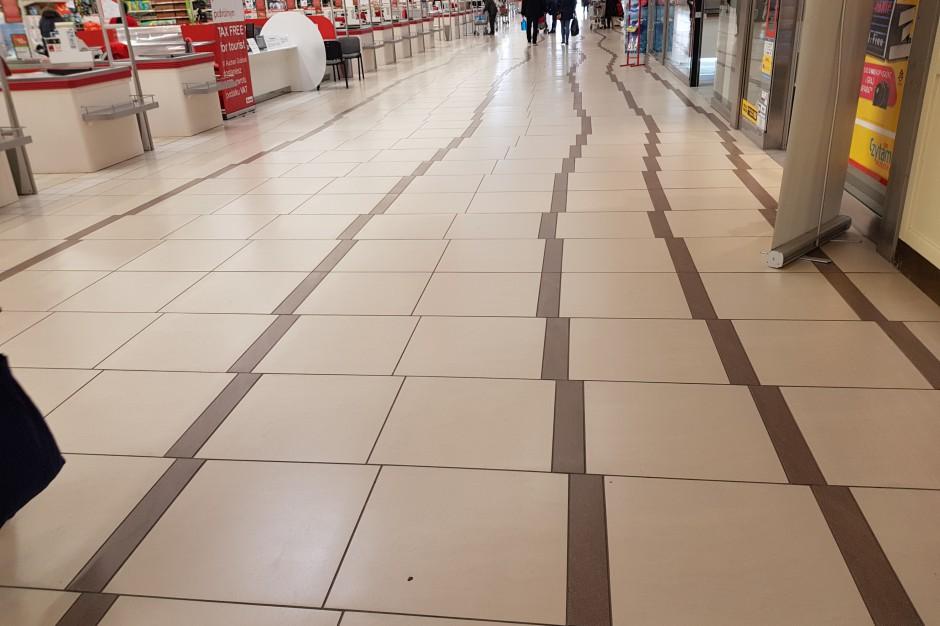 Podłoga z Auchan hitem sieci