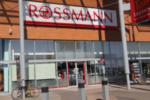 Badanie e-sklepów: Który Rossmann jest tańszy – polski czy niemiecki?