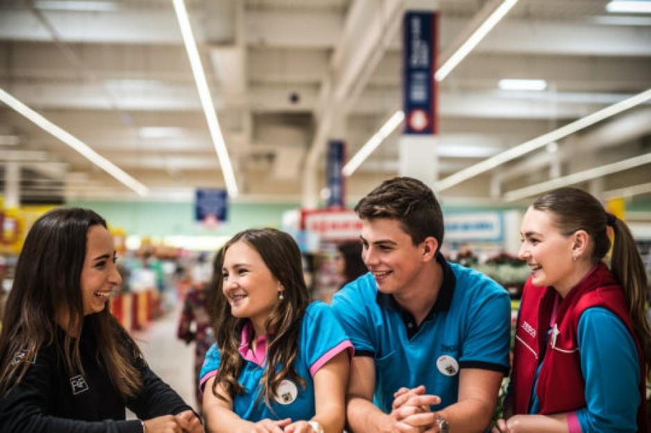 Tesco wspiera rozwój młodych pracowników