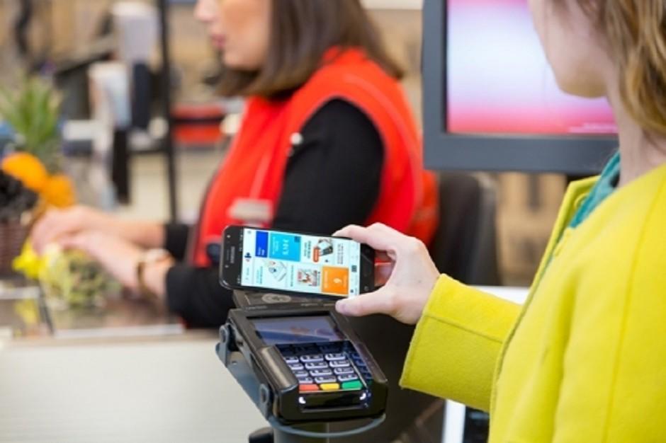 Carrefour realizuje plan transformacji cyfrowej. Wprowadza aplikację Carrefour Pay