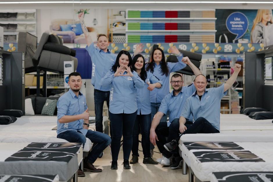 Pracownicy JYSK na wakacjach, w sklepie pracować będą managerowie (wideo)