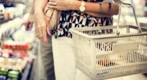 Koszyk cen: Zakupy w sklepach franczyzowych o ok. 100 zł droższe niż te w hipermarketach i dyskontach