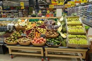 Carrefour podpisał kontrakty farmerskie z dostawcami warzyw i owoców