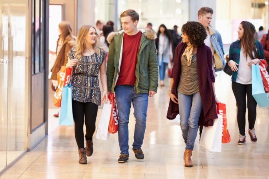 PwC: Konsumenci chcą płacić więcej za doświadczenia zakupowe