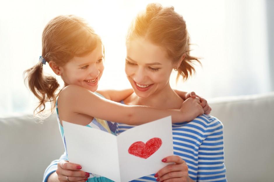 W Polsce jest 11-13 milionów matek. Ile wydamy na prezenty dla nich?