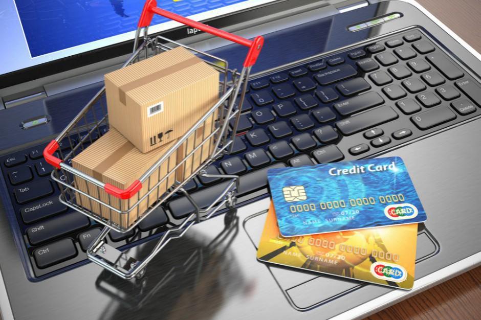 Solidarność postuluje zmiany w zakazie handlu. Mają objąć m.in. e-commerce