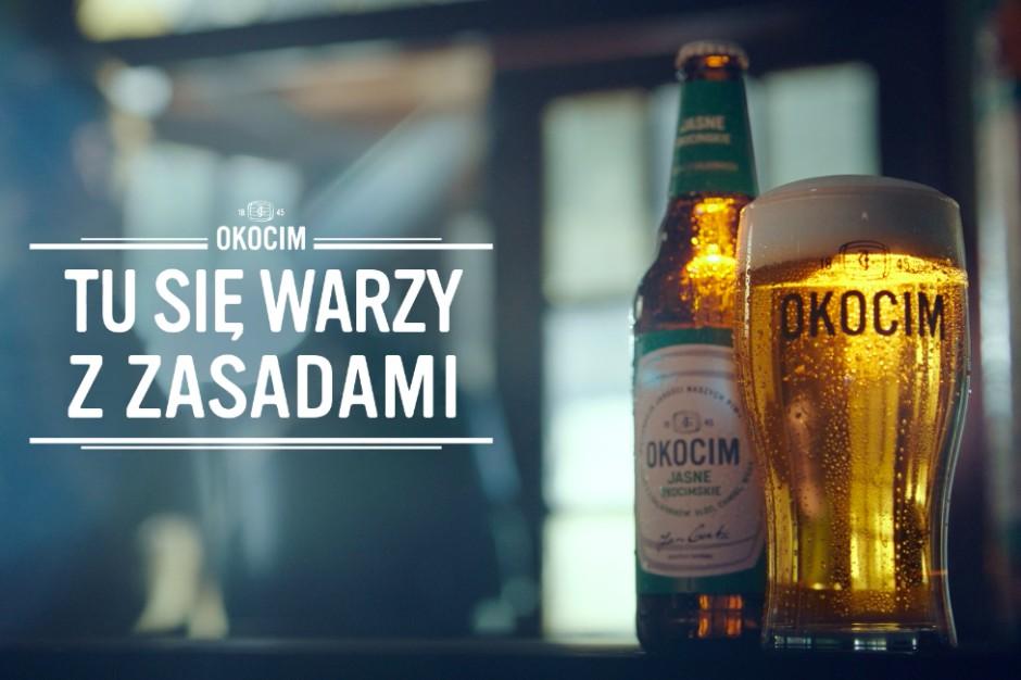 """Nowy spot Okocimia w ramach kampanii """"Tu się warzy z zasadami"""""""