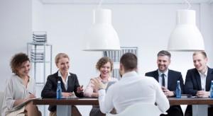 Deloitte: Koszty pracownicze i brak wykwalifikowanej kadry to główne problemy firm
