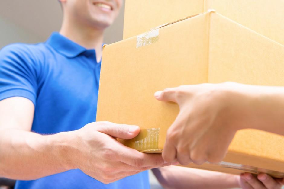 Odbiór paczek w sklepach Żabka większy o 40 proc. mdm.
