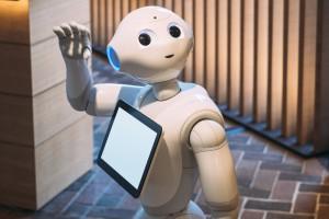 Ekspert: Jeszcze za wcześnie na roboty humanoidalne w sklepach