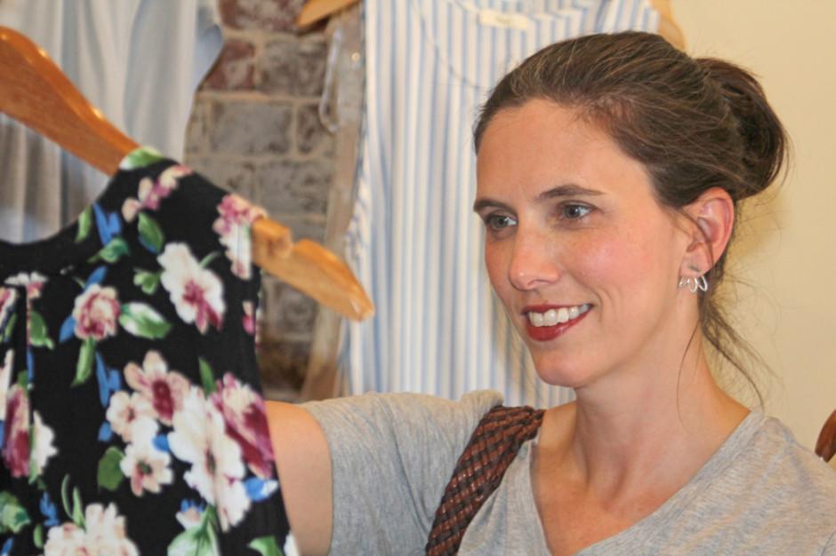 MAM: 8 proc. konsumentów kupuje odzież i obuwie w dyskontach i hipermarketach
