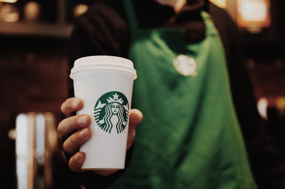 Sztuczna inteligencja nakręca sprzedaż Starbucksa