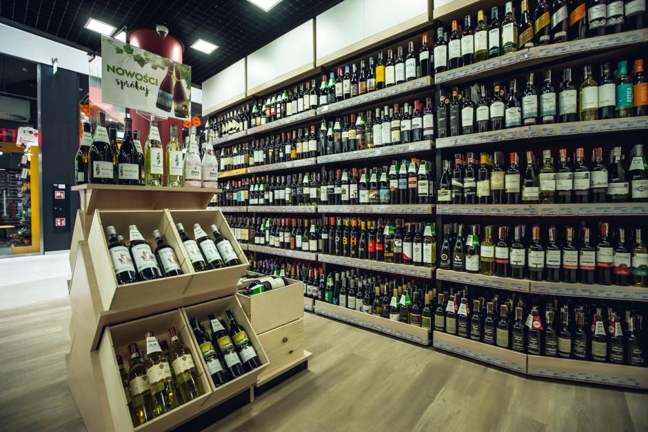 Ambra otwiera kolejne sklepy Centrum Wina