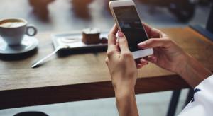 Jak technologie mobilne wpływają na zakupy?