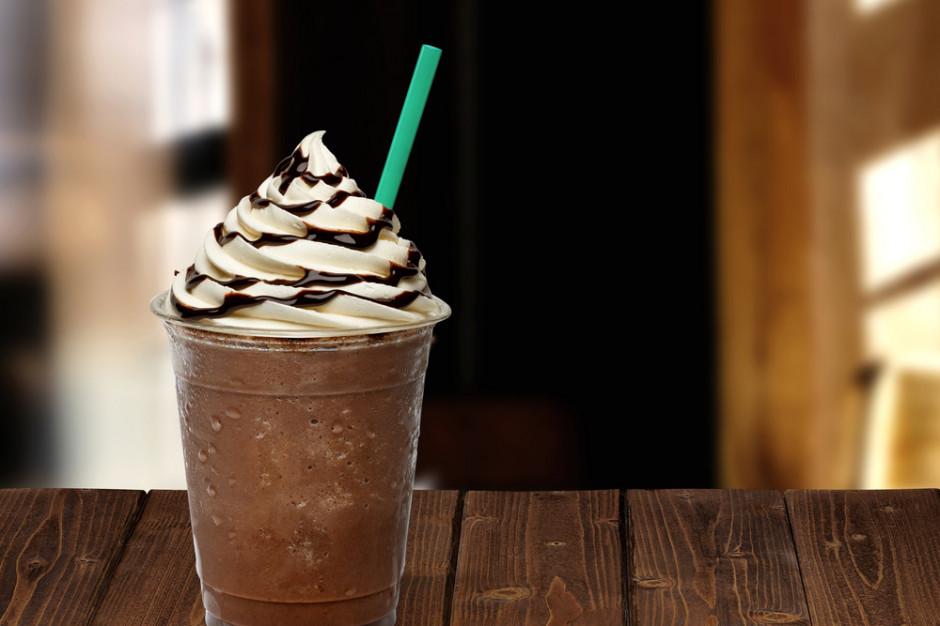 Starbucks do 2020 r. wycofa ze swoich kawiarni plastikowe słomki
