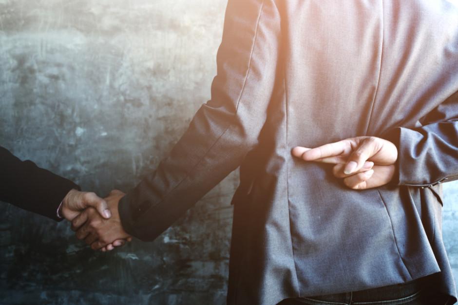 Badanie: Polacy są skłonni usprawiedliwiać nieetyczne zachowania finansowe