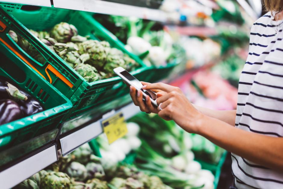 Cyfrowa żywność to wino, ser i mięso śledzone od pola do fabryki