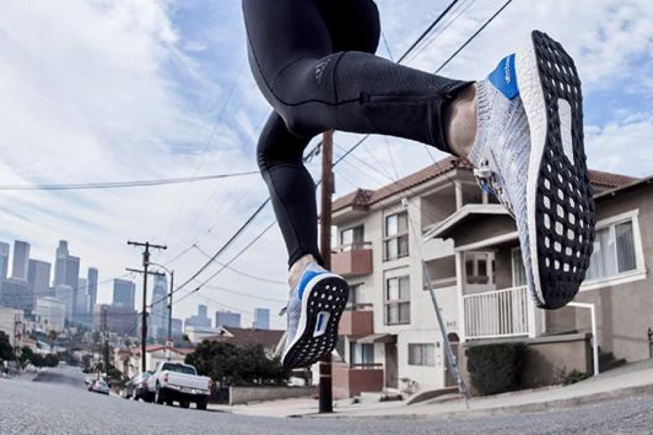 Adidas będzie używać wyłącznie poliestru z recyklingu