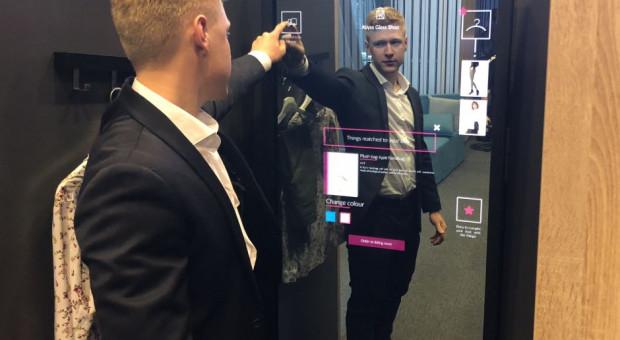 Abyss Glass: Nasze interaktywne lustra łączą kanał e-commerce ze sklepami stacjonarnymi