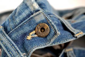 Dżinsy są passe? Producenci zarabiają na ubraniach sportowych