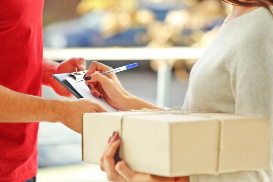 Podczas zakupów online najchętniej płacimy gotówką przy odbiorze przesyłki